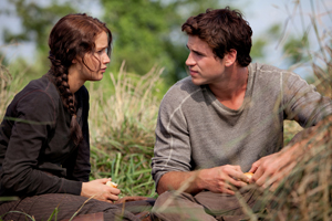 'Hunger Games' movie satifies viewers starved for adventure.