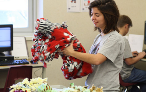 Key Club warms holiday season with childrens' blankets