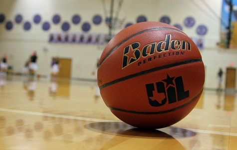 Lady Eagles open district with close win over Lady Herd