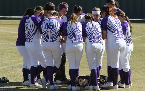 Softball team to face Burleson Centennial in regional semifinal game
