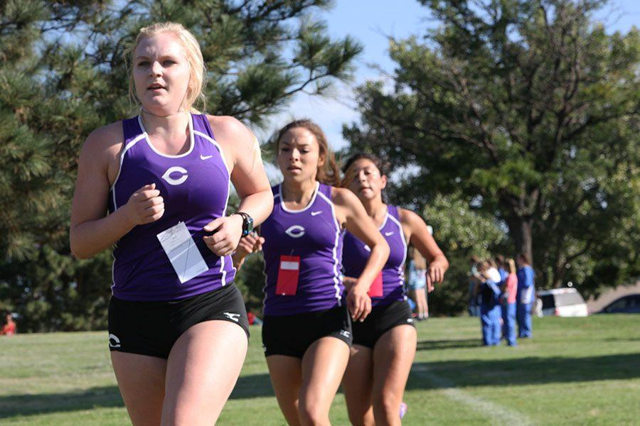 Girls cross country team prepares for the long run