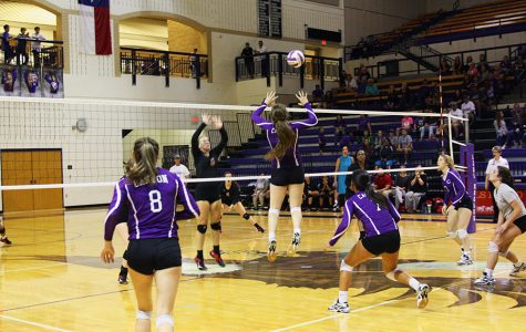 Varsity volleyball continues district play