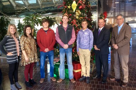 Entrepreneurship students compete, win cash at youth fair