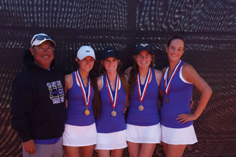 Lady Eagle tennis finishes season at regionals