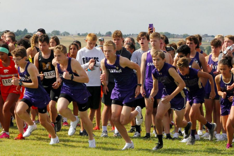 Runners+start+the+course+of+the+6-mile+relay+Aug.+24+at+Canyon+High.+Both+cross+country+teams+will+compete+in+the+Canyon+Invitational+Saturday%2C+Oct.+5.