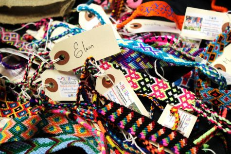 All the pulseras and bolsitas are handmade by artisans from Central America.