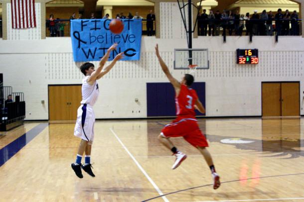 Senior Wyatt Sippy shoots the ball during the Jan. 4 game against Lubbock Monterey.