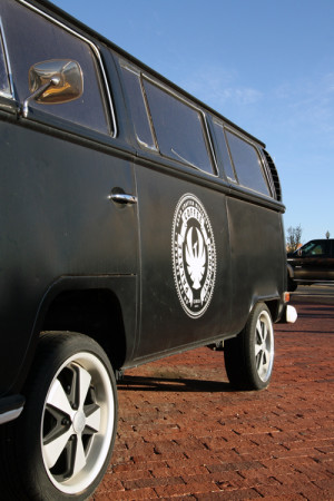 The symbolic van of the Palace rests in front of the shop.