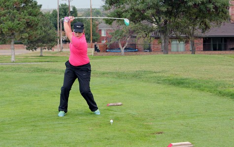 Golf teams to play second district games