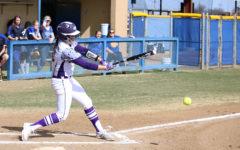 Softball enters regional quarterfinals undefeated