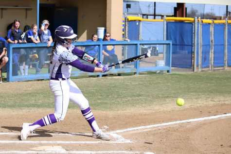 Softball enters regional quarterfinals undefeated