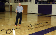 Hall of fame name now inked on court