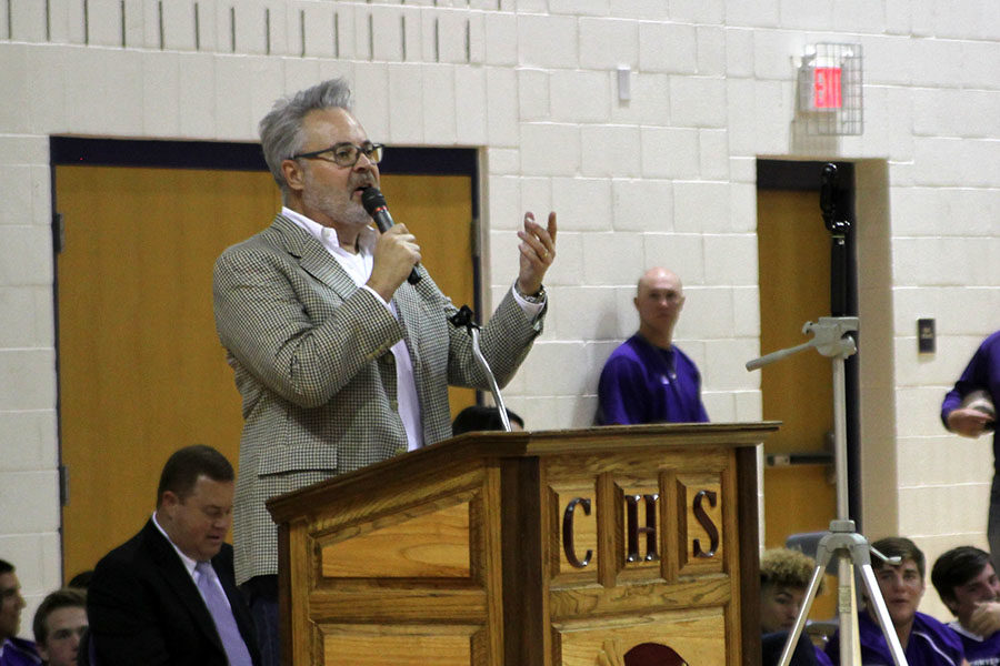 Famed radio personality Blair Garner speaks at the induction ceremony into the Canyon High School Hall of Fame.