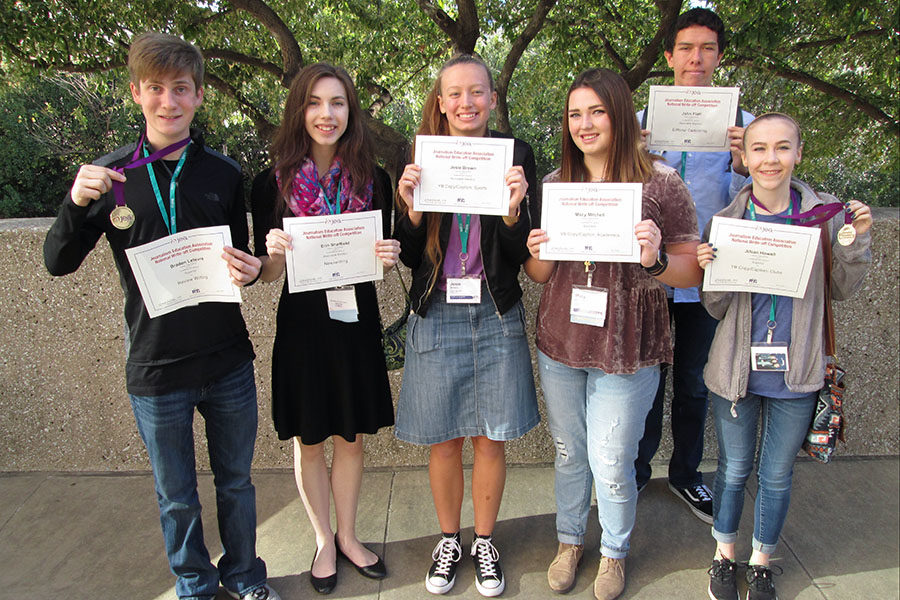 Braden+Lefevre%2C+Erin+Sheffield%2C+Josie+Brown%2C+Macy+Mitchell%2C+John+Flatt+and+Jillian+Howell+each+earned+individual+awards+in+JEA+write-off+contests+at+the+JEA%2FNSPA+National+Journalism+Convention.