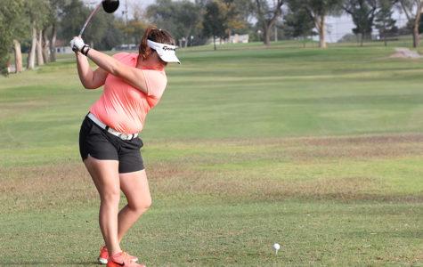 Golfers look to spring, collegiate play