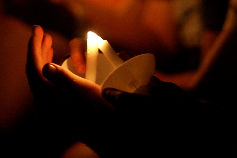Candlelight+services+are+a+tradition+for+many+churches.
