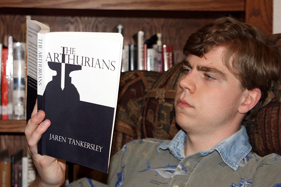 Senior Jaren Tankersley reads