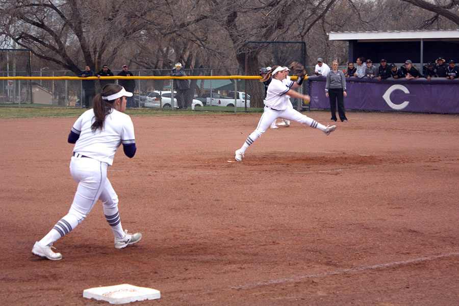 Senior+pitcher+Kyra+Lair+winds+up+for+the+pitch+to+the+plate.