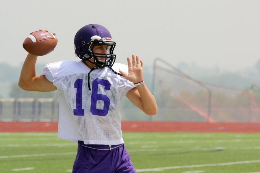 Sophomore Jay Defoor throws the ball during practice.