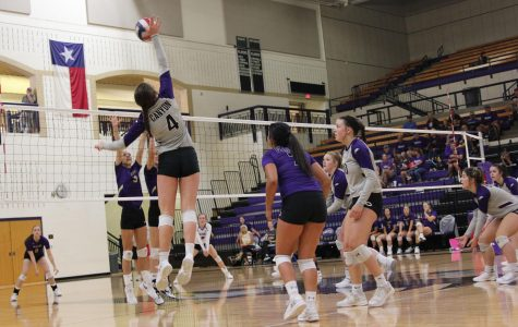 Varsity volleyball begins district play