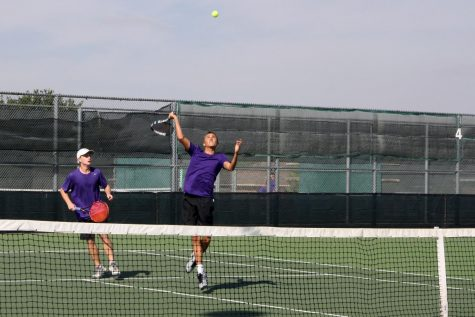 Tennis team wins area championship, advances to regional semi-finals