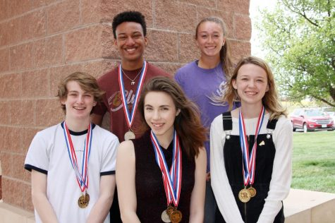Speech team members qualify for UIL, TFA state competitions