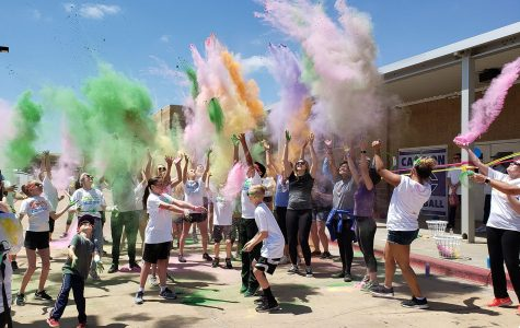 Sophomores continue 'legacy of giving' with Tatum Tough color run