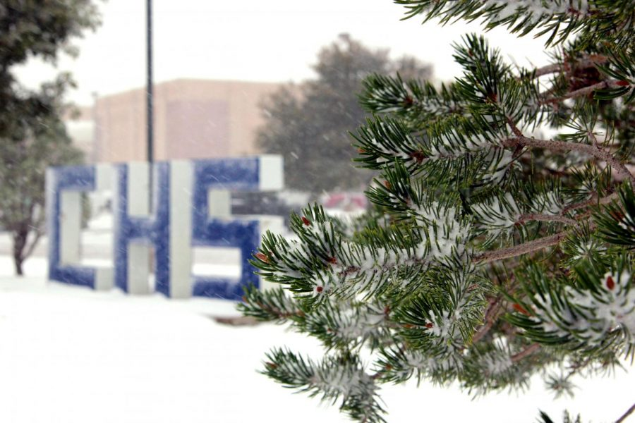 An+early+snowfall+blankets+the+campus+during+lunch+Thursday%2C+Oct.+24.