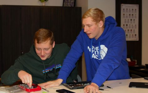 Dell certification training allows students to master computer repair skills