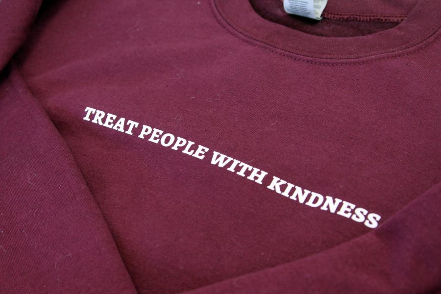 The+slogan+for+Harry+Styles%27+upcoming+tour+is+%22Treat+people+with+kindness%2C%22+a+message+that+has+been+featured+on+several+items+of+merchandise.