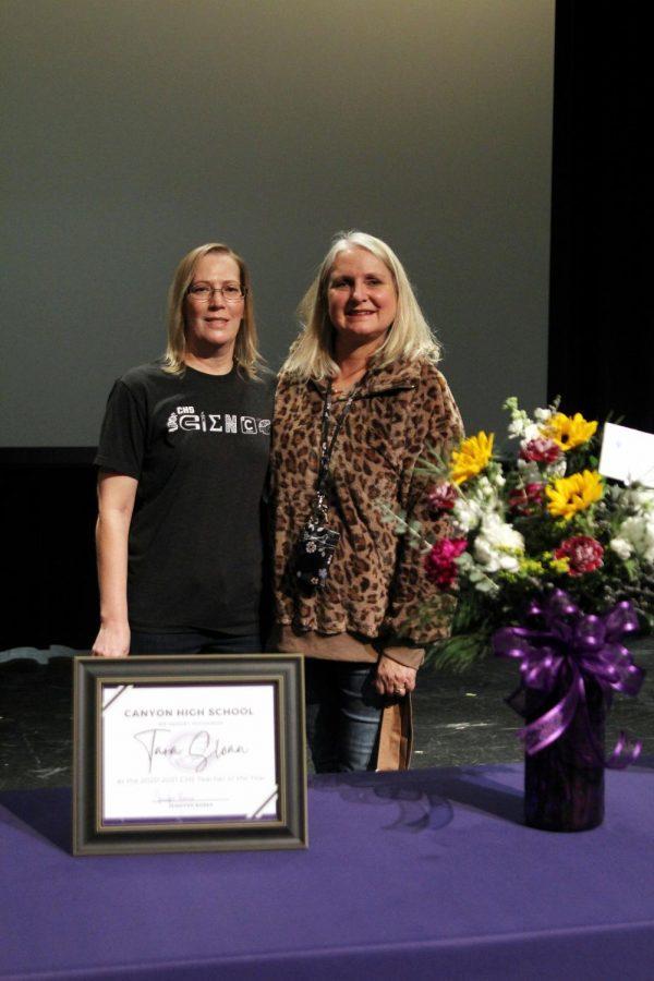 Physics teacher Tara Sloan stands alongside principal Jennifer Boren after winning campus 2020 Teacher of the Year.